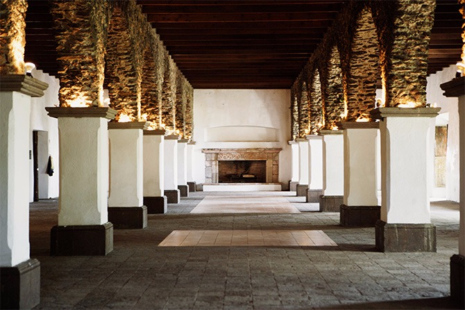 feature stone columns